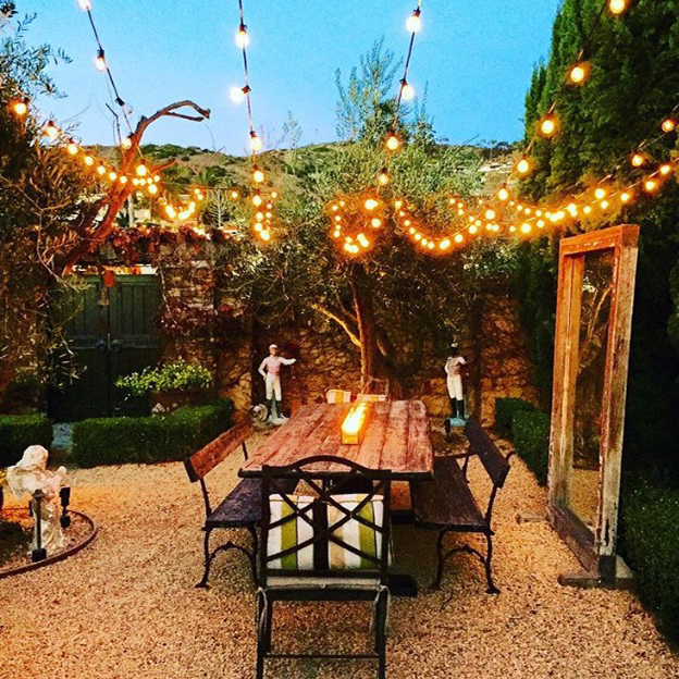 Hosting the Holidays Outdoors