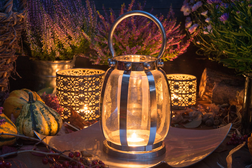 Outdoor dinner party tablescapes