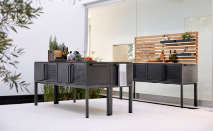 New Grill and Outdoor Kitchen Arrivals