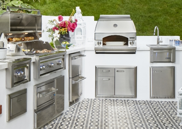 Choosing a Built-In Grill for your Outdoor Kitchen