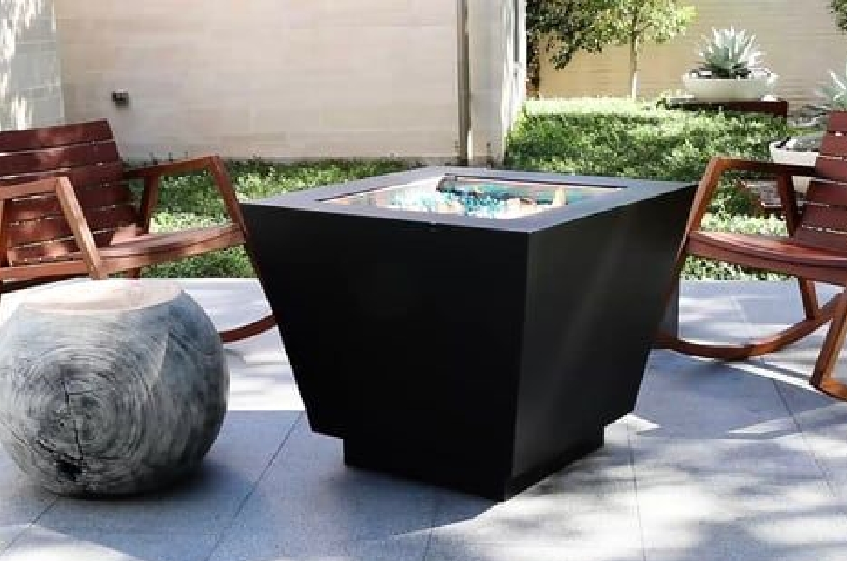 Bentintoshape 32in Pyramid Fire Pit